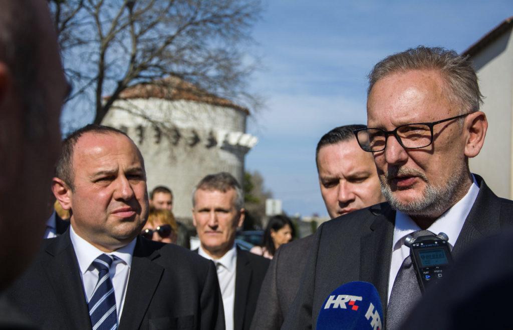 RADOVI VRIJEDNI OKO MILIJUN KN Ministar MUP-a Božinović obišao radove na policijskoj postaji u Senju